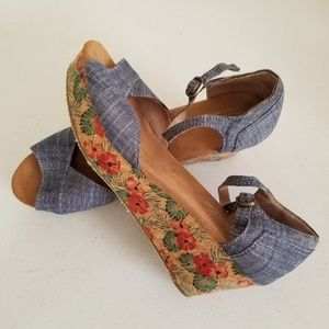 Tom's Wedge Sandals Chambray Denim & Floral